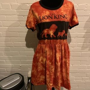 NWOT Women's XL Lion King dress with pockets